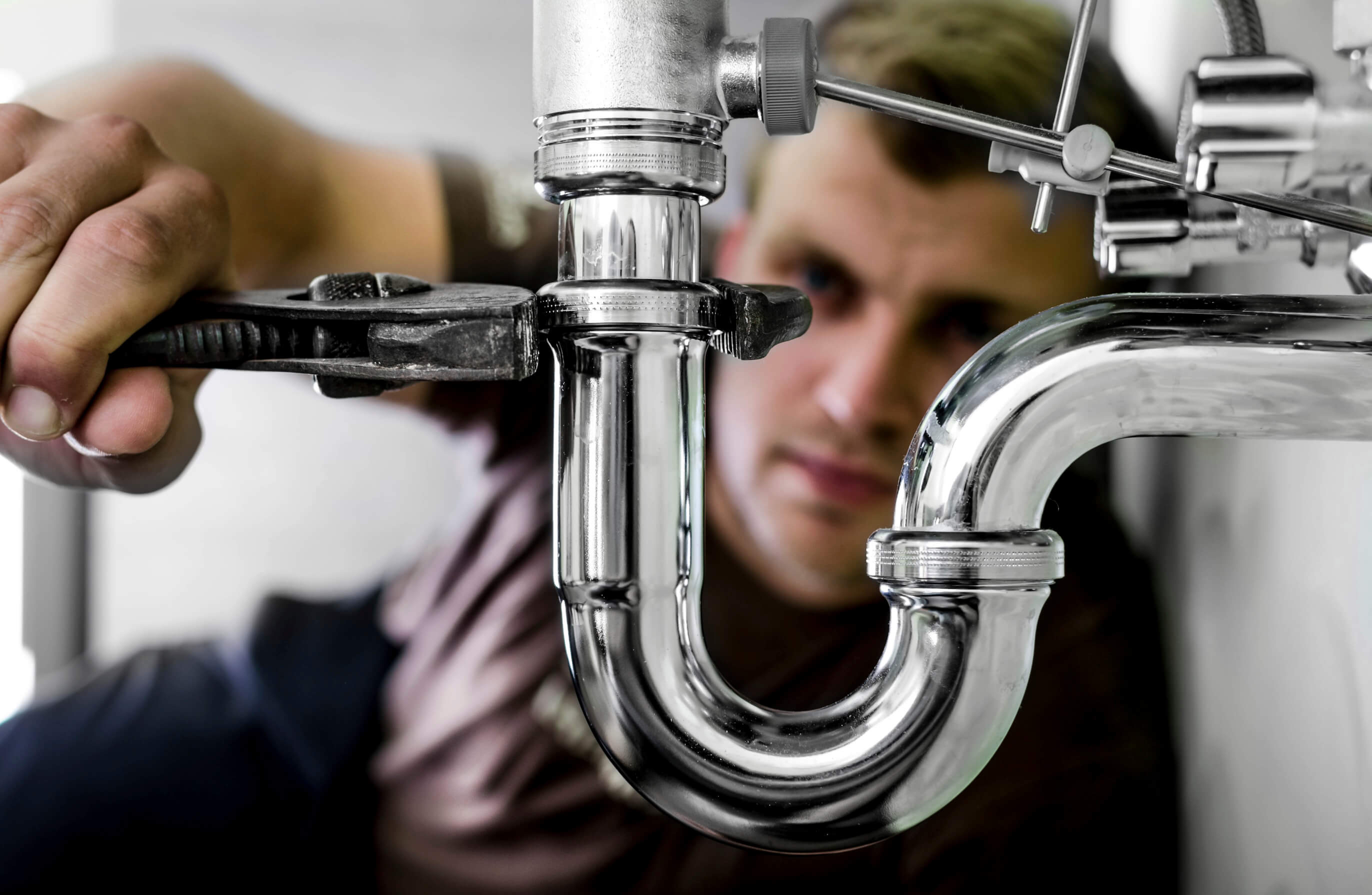 When Do You Need to Hire a Plumber?