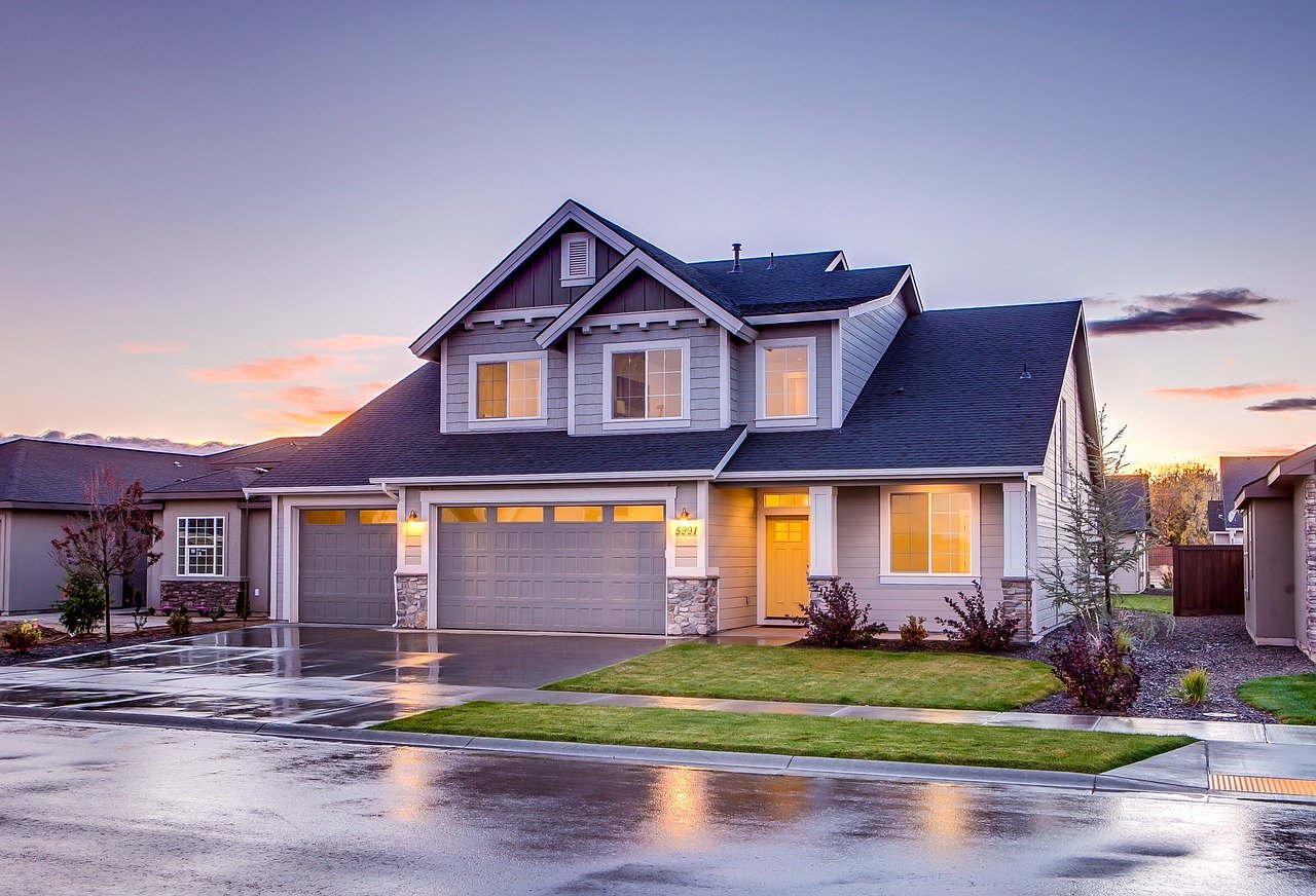 Buying an Old House? Ask About These Common Plumbing Issues